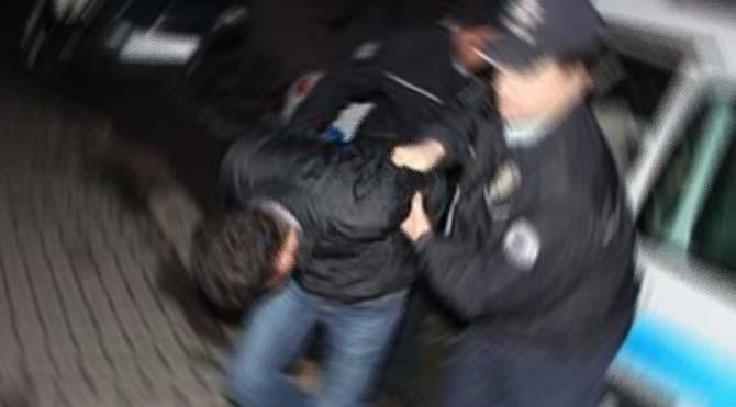 Polise yakalanmamak için pencereden atladı