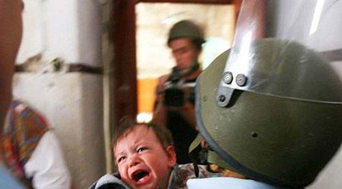İsrail'den 2 yaşındaki Filistinli çocuğa gözaltı girişimi