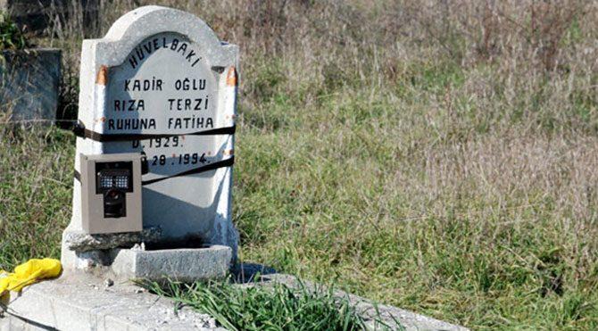 Mezarlığa yine fotokapan kurdular