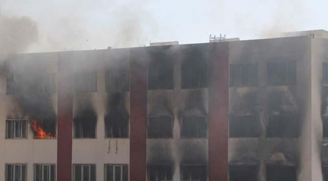 Yurt binasına molotoflu saldırı