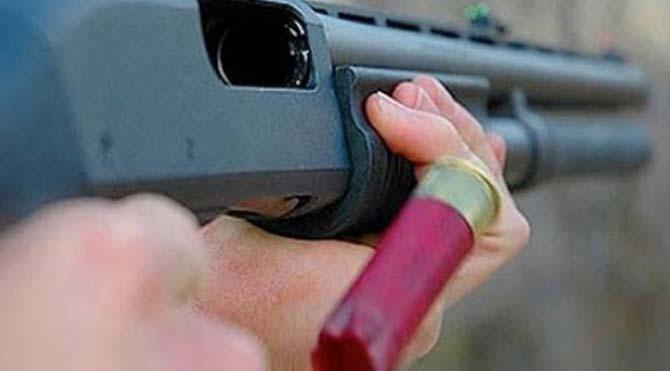 Genç kızı av tüfeğiyle öldürdü