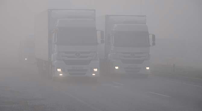 İzmir'de sis zor anlar yaşattı