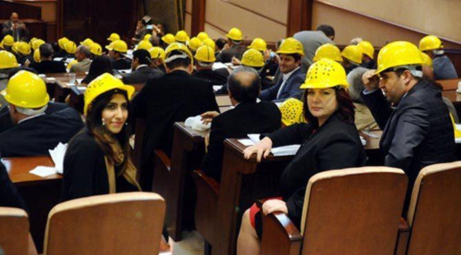 İ.B.B'de baretli meclis