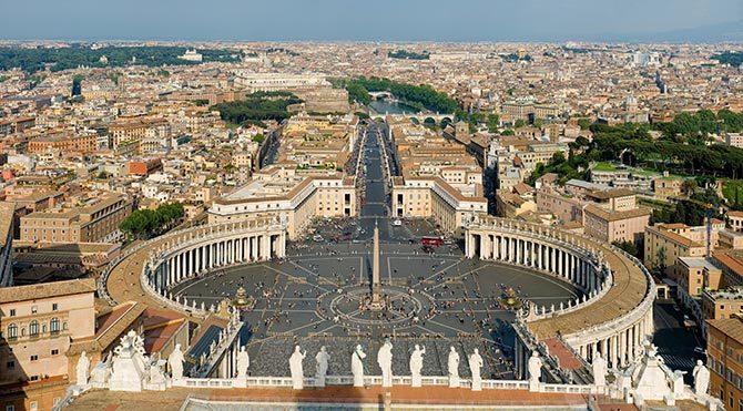 Vatikan'dan Ak Saray açıklaması