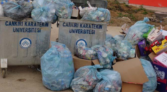 Başkan-Rektör kavgası kampüsü çöplük yaptı