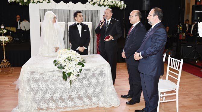 Gizli saklı düğün!