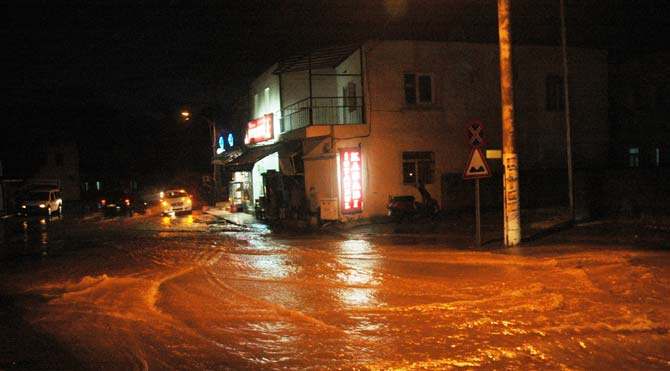 Bodrum'da yağmur hayatı felç etti