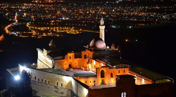 İshak Paşa Sarayı'na cam tavan!