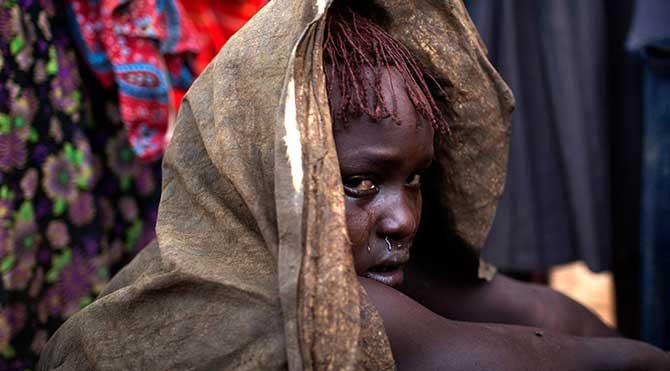 Kenya'da kadın sünnet töreni görüntülendi