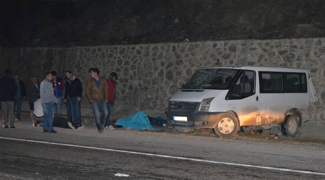 Servis aracı kaza yaptı: 12 yaralı!