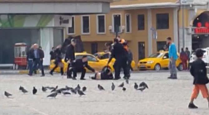 Taksim Meydanı'nda öldüresiye dayak!
