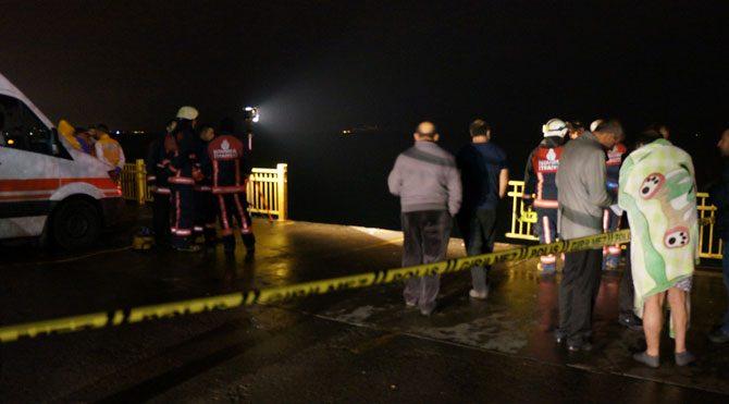 Yenikapı'da bir kişi aracıyla birlikte denize uçtu