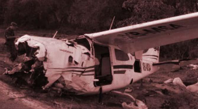 Çin'de küçük uçak düştü