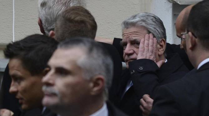 Zeman'a niyet Gauck'a kısmet