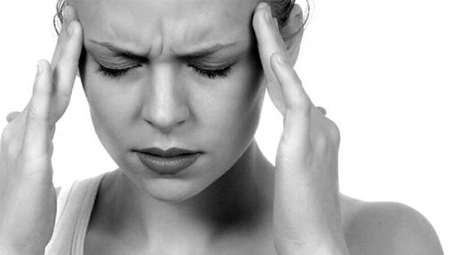 Baş ağrınızın nedeni fıtık olabilir!