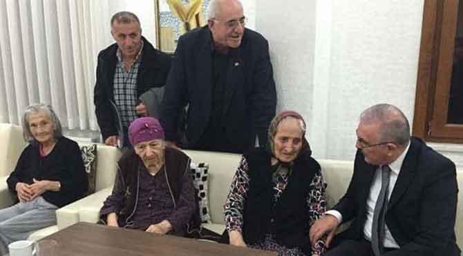 CHP'li Öğüt'ten yaşlılar evine ziyaret
