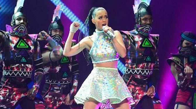 Katy Perry dünya turunda