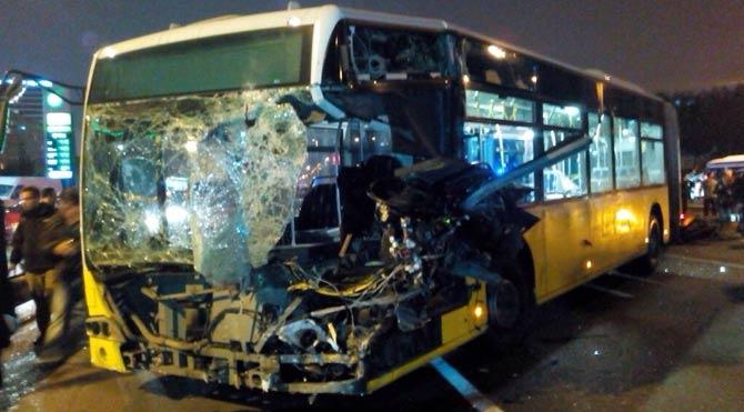 İstanbul'da metrobüs kazası!