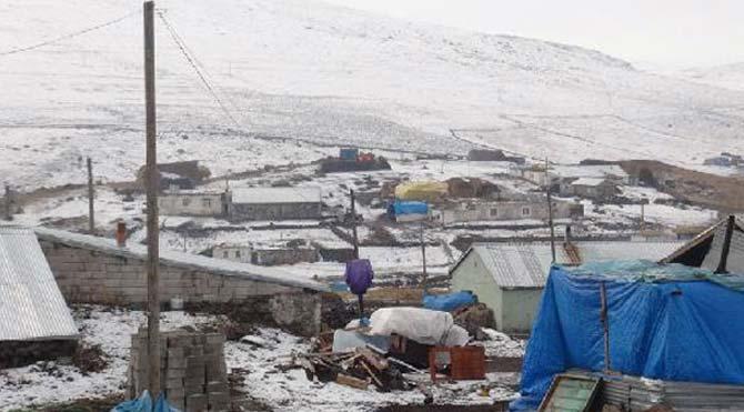 Kar yağdı, köylerde kış telaşı yaşanıyor