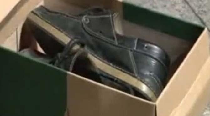 Yeni ayakkabıları çalıp kutularına eskilerini koydular