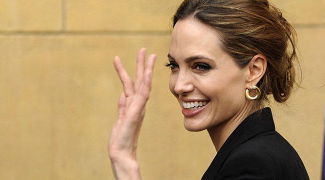 Angelina emekli mi oluyor