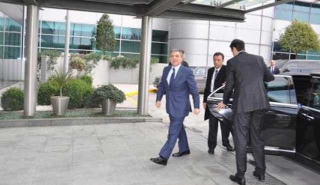 Abdullah Gül Londra'ya gitti