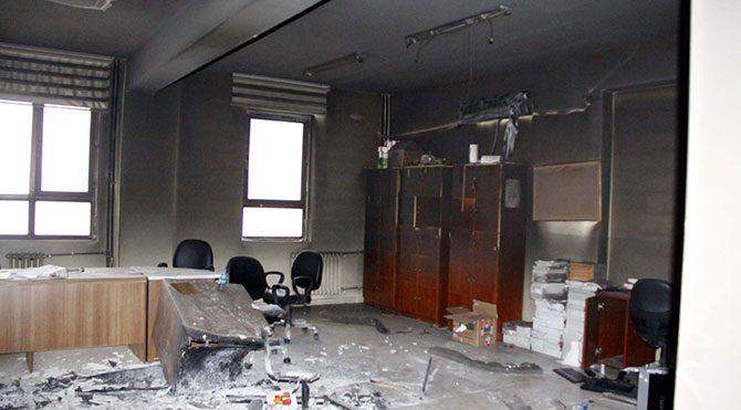 Siverek'te İmam Hatip Lisesi'ni ateşe verdiler