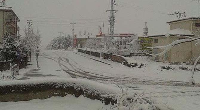 Aksaray'da yüksek kesimlere kar düştü