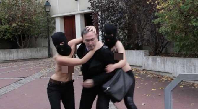 FEMEN rahip kaçırdı