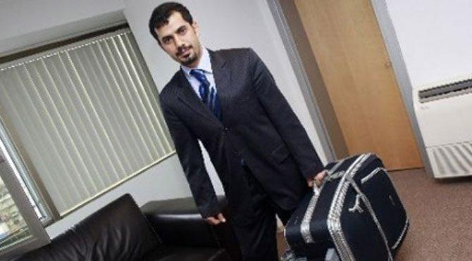 'Bavulcu' serbest kaldığını yine Twitter'dan duyurdu