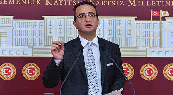 Tezcan'dan Davutoğlu'na sert sözler