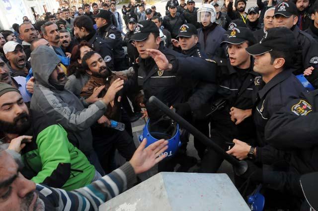 Tunceli'de Davutoğlu gerginliği