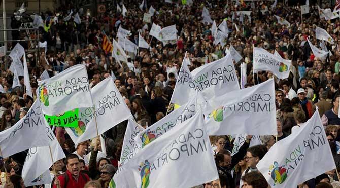 İspanya'da kürtaj protestosu