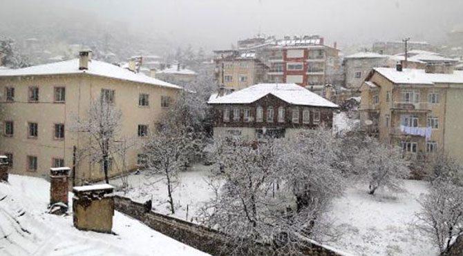 Antalya'nın ilçesinde kar kalınlığı 30 santim