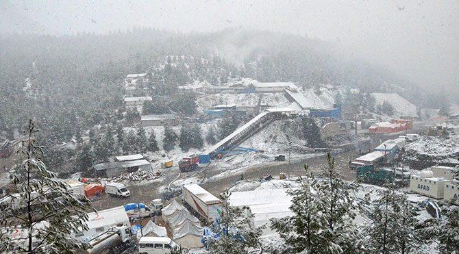 Ermenek'i kar bastı