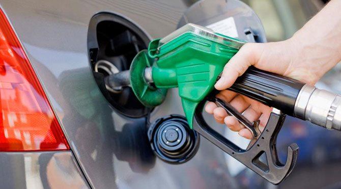 Petroldeki düşüş benzini etkilemedi