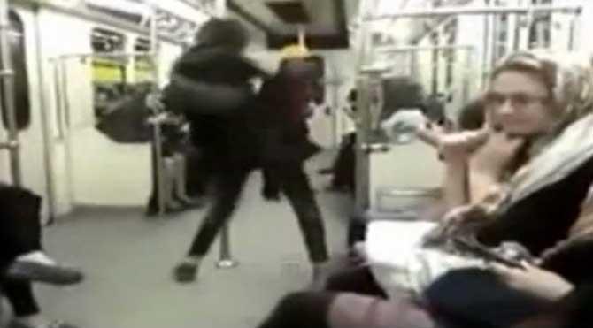 İran metrosunda çılgınca dans etti