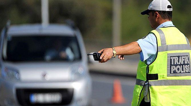 Kesilen trafik cezası 2 milyar lirayı aştı