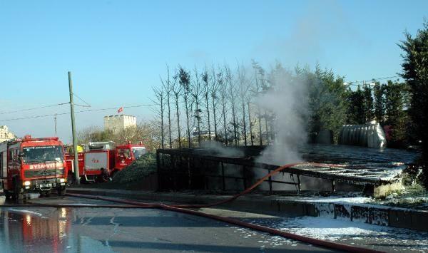 Topkapı'daki yangından ilk görüntüler