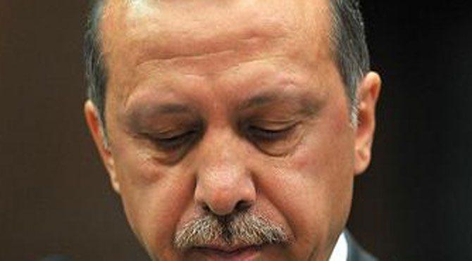Tayyip gitti, AKP indi