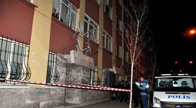 7. kattan düşen çocuğu havada yakaladı