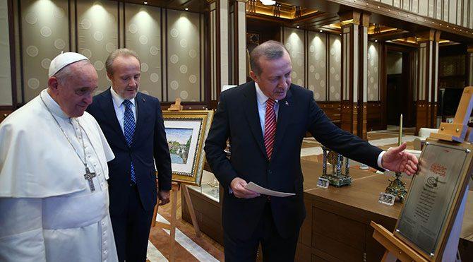 Erdoğan'dan manidar hediye