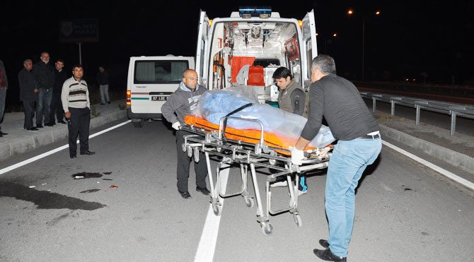 Kamyonet yayaya çarptı: 1 ölü