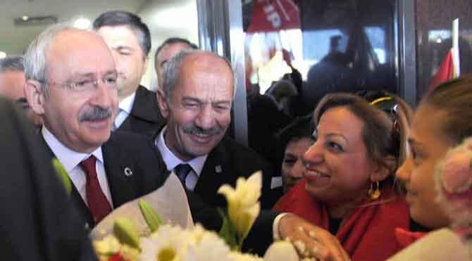 Kılıçdaroğlu'na çiçekli karşılama
