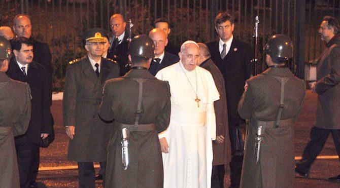 Papa Türkiye'den ayrıldı