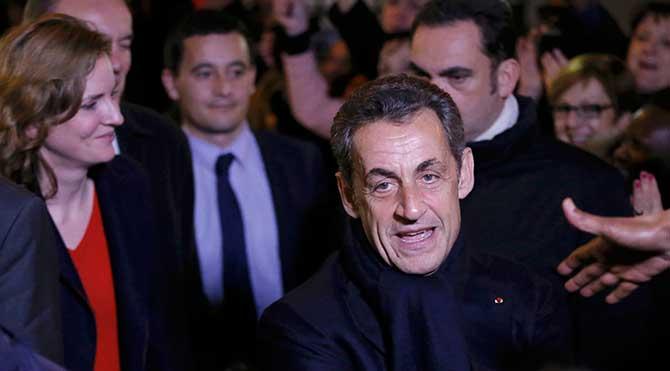 Sarkozy siyasete geri döndü