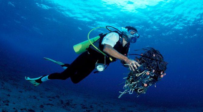 Okyanuslarda 269 bin ton plastik çöp var
