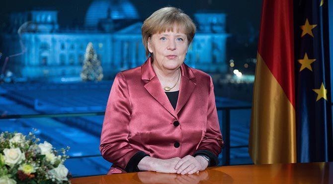 Merkel'den İslam karşıtı PEGIDA hareketine tepki