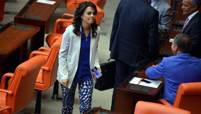 AKP'li Tülay Babuşçu Cumhuriyet'i tanımladı