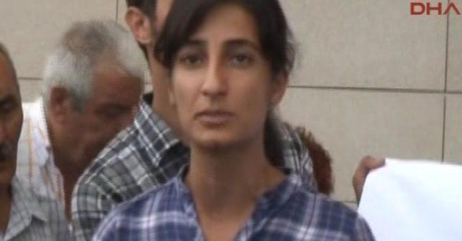 Taksim'de polise yapılan saldırının faili Elif Sultan Kalsen çıktı. TEM polisleri Elif Sultan Kalsen'i yakalamak için operasyon başlattı. - elif-sultan-kalsen